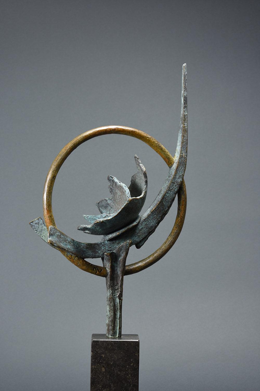 Ontluiking 42x30 - Groot bronzen beeld voor binnen